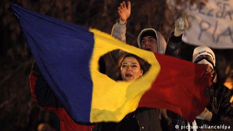 Romania - protest in Piata Universitatii (picture-alliance/dpa)
