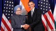دیدار باراک اوباما، رئیسجمهوری آمریکا، با مانموهان سینگ، نخستوزیر هند، در حاشیهی نشست آسهآن در اندونزی