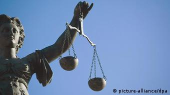 Symbol for justice Foto: Wolfram Steinberg +++(c) dpa - Report+++