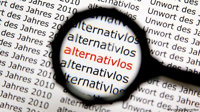 Eine Lupe vergrößert das Wort alternativlos (picture alliance/dpa)
