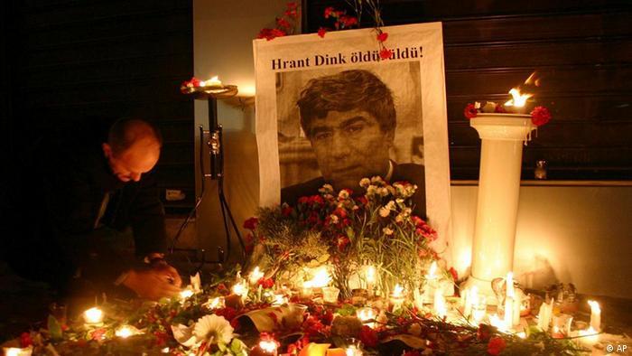 Kerzen für den Journalist Hrant Dink neu (AP)