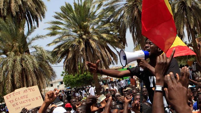 Quand la jeunesse du Sénégal crie Y en a marre! (juillet 2011)