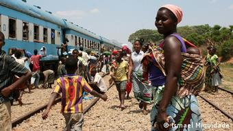 Mosambik Lifestyle Straßenverkäufer informeller Markt