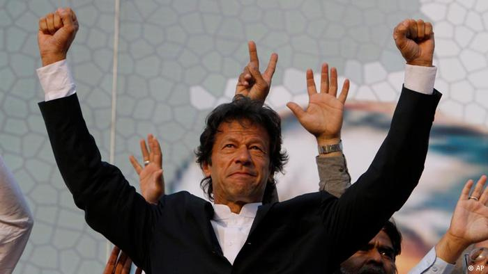 Pakistani cricketer-turned-politician Imran Khan (Photo: K.M. Chaudary/AP/dapd)
