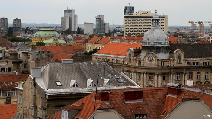 Titel: Zagreb, Kroatien Beschreibung: Zagreb, Croatia. The skyline of Croatia's capital city is crowned with baroque buildings that are now dominated by modern hotels and skyscrapers. Schlagworte: Zagreb, Stadt, Zentrum, Kroatien, Panorama Autor: Christopher Bobyn Datum: January 2012