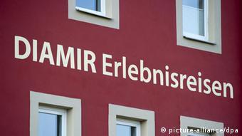 Der Dresdner Reiseveranstalter Diamir, hat alle Reisen in die betroffene Region abgesag. Foto: Arno Burgi dpa/lsn