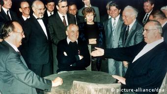 Helmut Kohl and Michail Gorbachev with other German and Soviet politicians