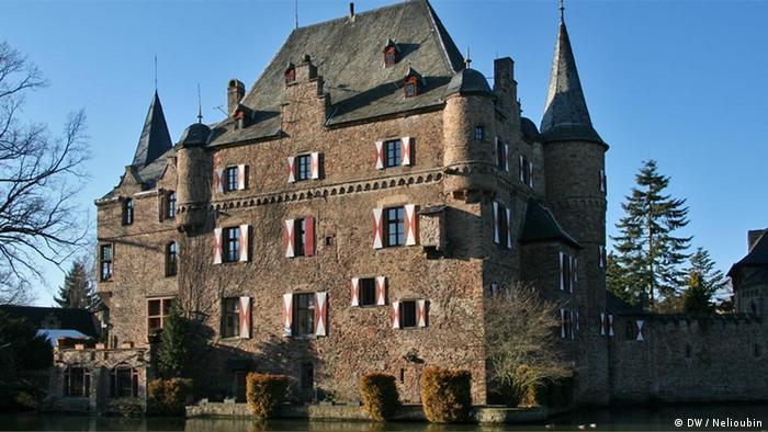 Замок Зацвай - Burg Satzvey