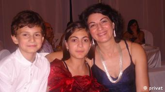 Në foto: Joel, Enya dhe Anduena
