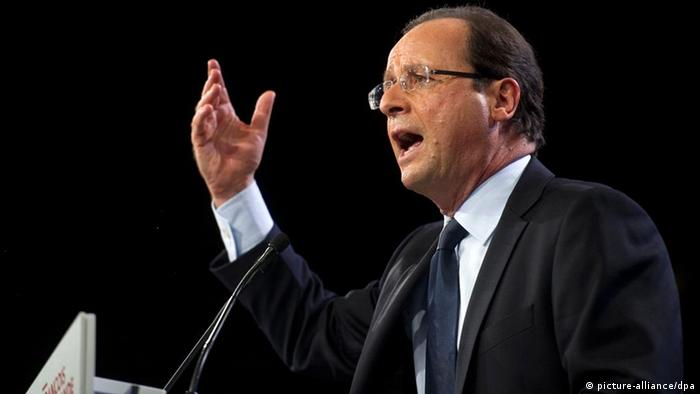Francois Hollande, French Socialist Party (PS) candidate for the 2012 presidential elections, delivers a speech during his first major election rally, in Le Bourget, near Paris, France, 22 January 2012. Around 10,000 Socialist Party activists were gathering in a conference centre in Le Bourget, north of Paris, to hear the parliamentarian and former party leader explain why he wants to become the first Socialist head of state in 17 years. EPA/FRED DUFOUR / POOL +++(c) dpa - Bildfunk+++