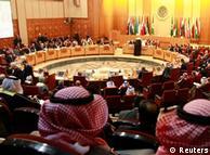 در حالی که اتحادیه عرب در اجلاس اخیر خود به تمدید حضور ناظران خود در سوریه رای داد
