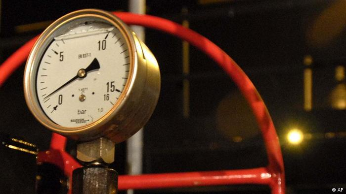 A pressure gauge of the Druzhba oil pipeline