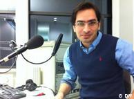 امیر، ادمین صفحه فیس بوک «مملکته داریم؟» در استودیوی دویچه وله