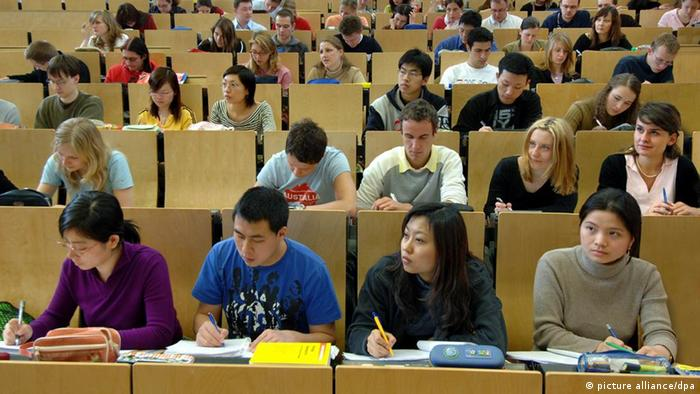 Foreign students listen to a university lecture in Chemnitz