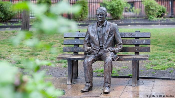 Monument in Manchester to Alan Turing