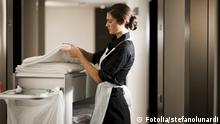 Fotolia 28032959 Maid At Work © stefanolunardi