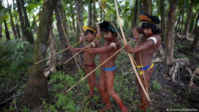 Indianer im Amazonas.