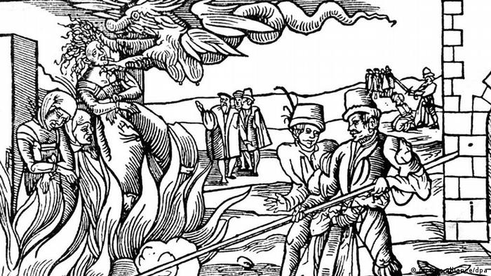 Depiction of a witch burning from 1555 (picture-alliance/dpa)