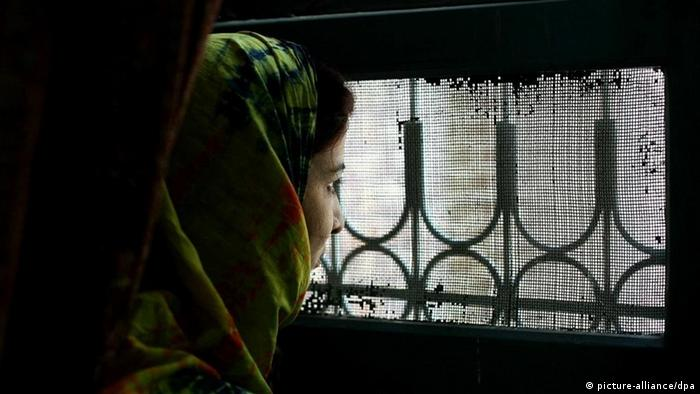 A barred window is one of the sole methods of seeing the outside world. The women are limited to the time they get outside of the shelter (Photo: Katie Falkenberg/Washington Times +++(c) dpa - Report+++)