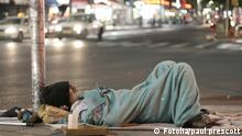 Symbolbild Obdachloser Stadt Straße