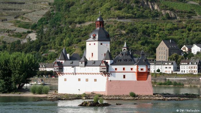 Замок Пфальцграфенштайн на Среднем Рейне