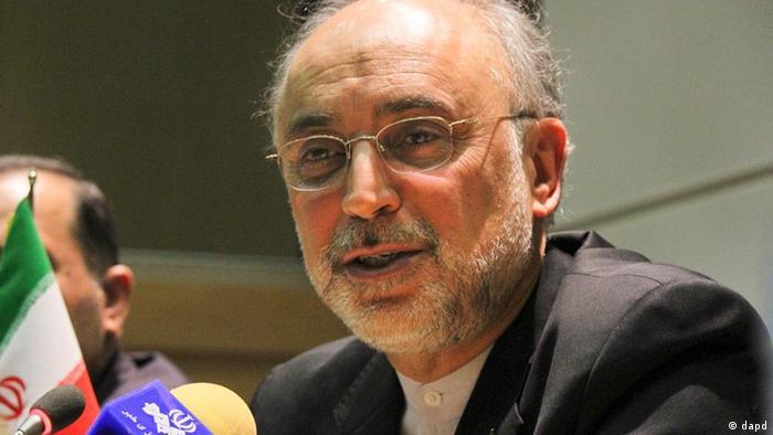 در میان تهدیدهای نظامی فرماندهان سپاه، علی اکبر صالحی ایران و اروپا را مکمل یکدیگر میداند
