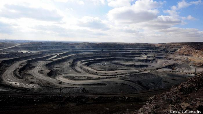 Rohstoffabbau in einer Mine in China (Foto: picture-alliance/dpa).