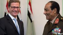 گیدو وستروله، وزیر امور خارجه آلمان، در دیدار با  ژنرال محمدحسین طنطاوی، رئیس شورای عالی نظامی مصر
