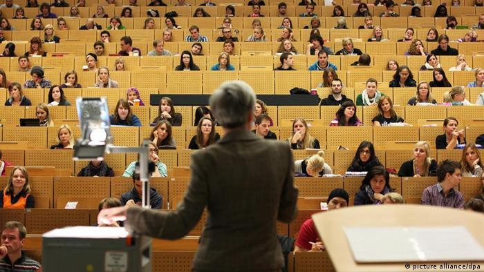 Eine Vorlesung in einem Hörsaal (Foto: dpa)
