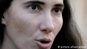 Die kubanische Bloggerin Yoani Sánchez, Gewinnerin des Deutsche Welle Awards The Bobs 2008. Hier auf einem Foto aus dem Jahr 2011. (Foto:Javier Galeano/AP/dapd)