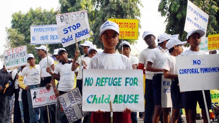Indien Demo Kindesmissbrauch