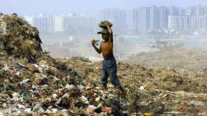 Indien Neu-Delhi Müllkippe
