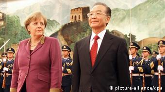 Merkel meets with Chinese Prime Minister Wen Jiabao in February, 2012. Photo: Kay Nietfeld dpa