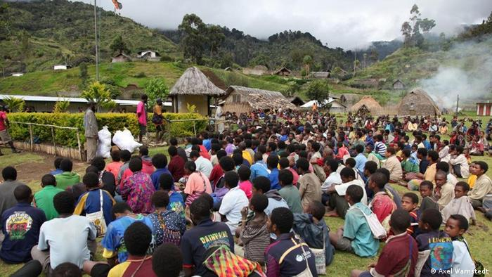 Schulung im Waldschutz, Papua Neu Guinea (Axel Warnstedt)