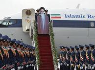 بازسازی ورود آیتالله خمینی به فرودگاه مهرآباد توسط نیروی هوایی ارتش جمهوری اسلامی