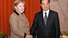 سوم فوریه ۲۰۱۲ در پکن: آنگلا مرکل، صدراعظم آلمان، در دیدار با هو جینتائو، رئیس جمهوری چین