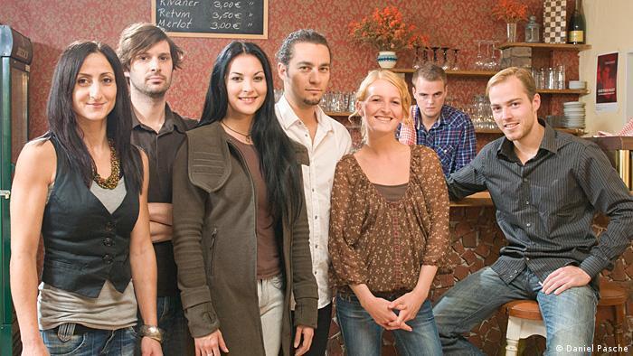 Jojo sucht das Glück - Dossierbild Jojo-Team 1a Nutzung nur durch deutschkurse!!