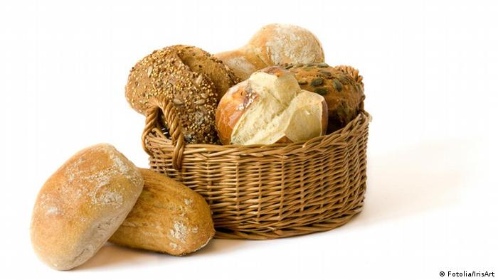 Basket of bread rolls (Fotolia/IrisArt)