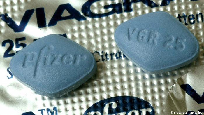 Viagra tablets Photo: Uli Deck dpa +++(c) dpa - Bildfunk+++
