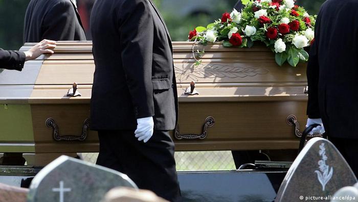 Nach Mafia-Morden - Beerdigung (picture-alliance/dpa)