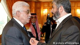 Hamas political leader Khaled Meshaal (R) and Palestinain President Mahmoud Abbas