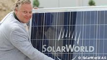 Frank Asbeck bei der Grundsteinlegung der Solarbfabrik 3