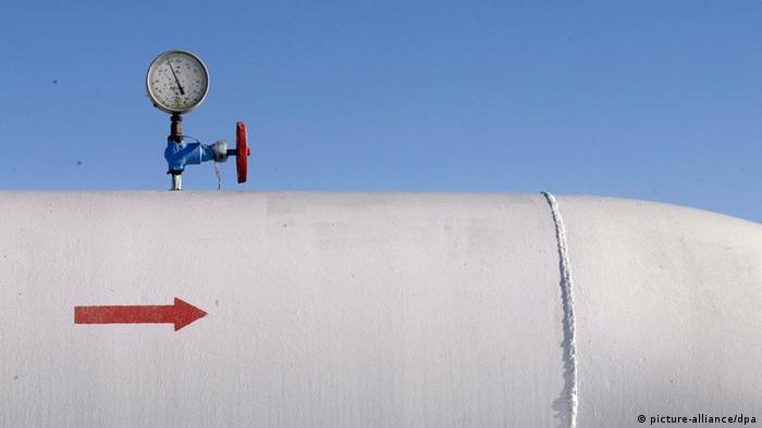 (FILES) A view of a gas pressure-gauge of the natural gas pipeline in the Boyarka village near Kiev, Ukraine, 01 January 2009. EPA/SERGEY DOLZHENKO +++(c) dpa - Bildfunk+++