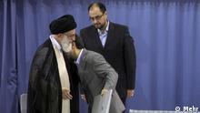 احمدینژاد رئیسجمهور منتخب رهبر جمهوری اسلامی به چالش کشیده شده است.
