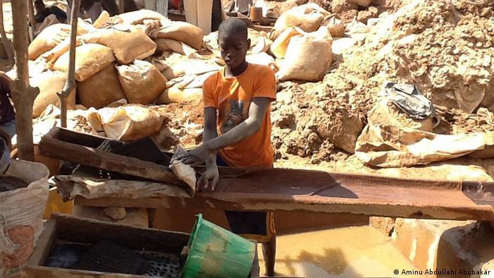 Lavagem do ouro em Bagega, Zamfara