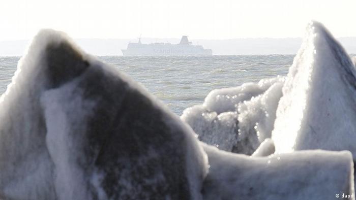 Kältewelle Europa Ostsee Schiff Sassnitz