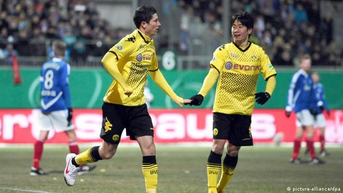 Dortmund Trounce Holstein Kiel In German Cup Quarters Sports German Football And Major International Sports News Dw 07 02 2012