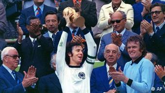 Franz Beckenbauer bei der WM 1974 (AP)