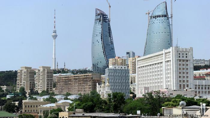 В центре Баку