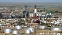Atyrau refinery, subsidiary of Kazakhstan's state-owned oil and gas company KazMunaiGaz, pictured on June 13, 2006. Foto: Anatoly Ustinenko +++(c) dpa - Report+++